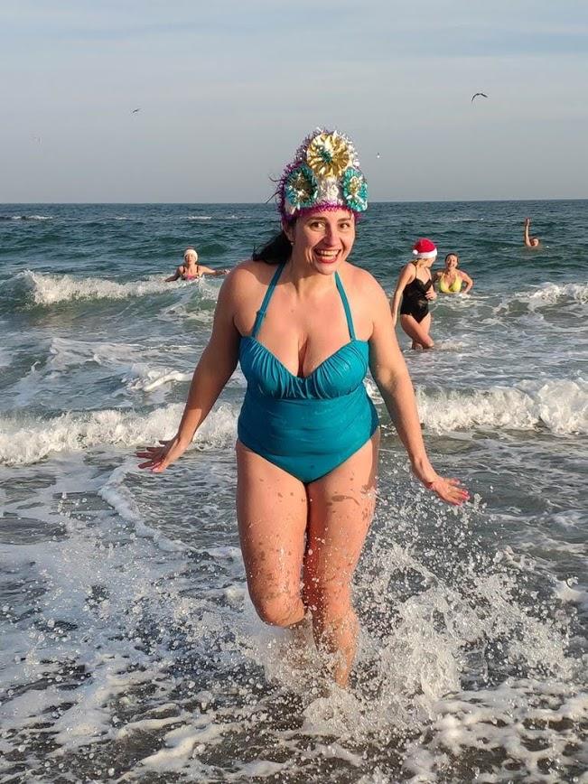 Одесские моржи отметили Новый год первым купанием. Фото: Моржи Одессы