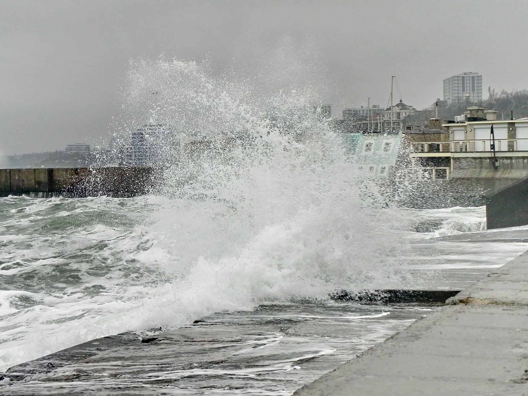 Зимнее море в Одессе. Фото: Олег Коваленко