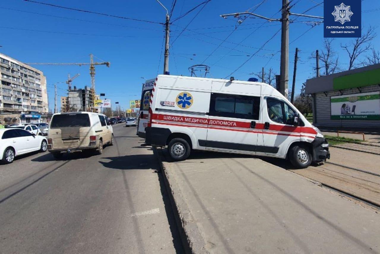 """ДТП со """"скорой"""". Фото патрульной полиции"""