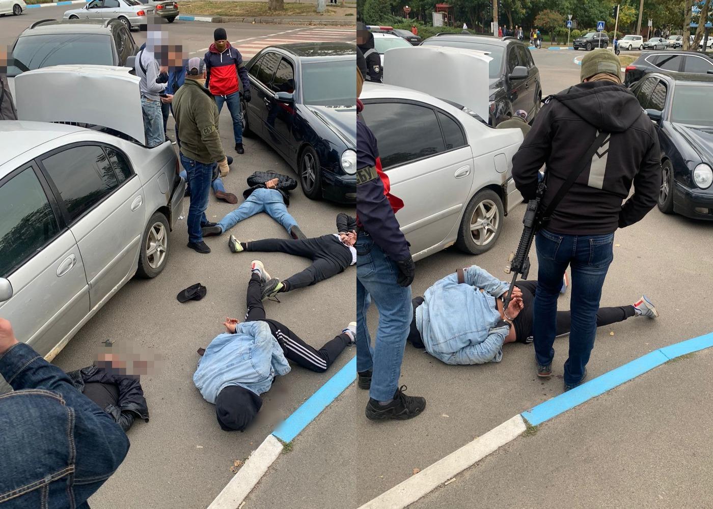 Похищали и пытали людей: в Южном ликвидировали преступную группировку. Фото: Служба безопасности Украины