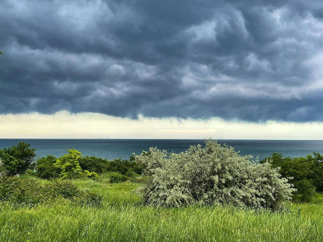 13 июня одесситы поделились снимками штормового неба. Фото: Богатырев Александр