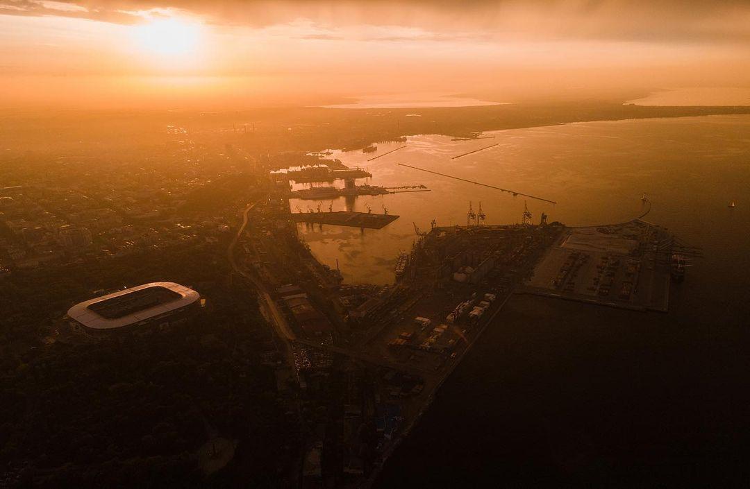 Фотограф снял летний закат в Одессе с высоты птичьего полета. Фото: Евгений Хаустов