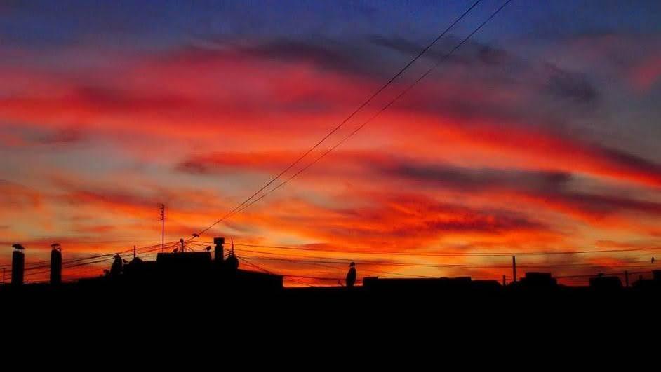 В Одессе 30 мая наблюдали яркий закат. Фото: instagram.com/mad.mammoth