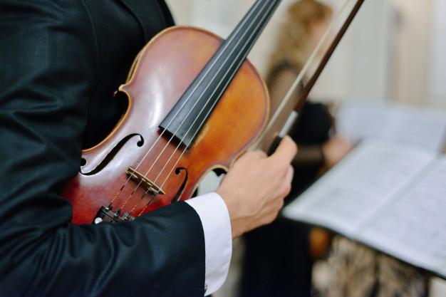 Концерт классической музыки. Фото: freepik.com