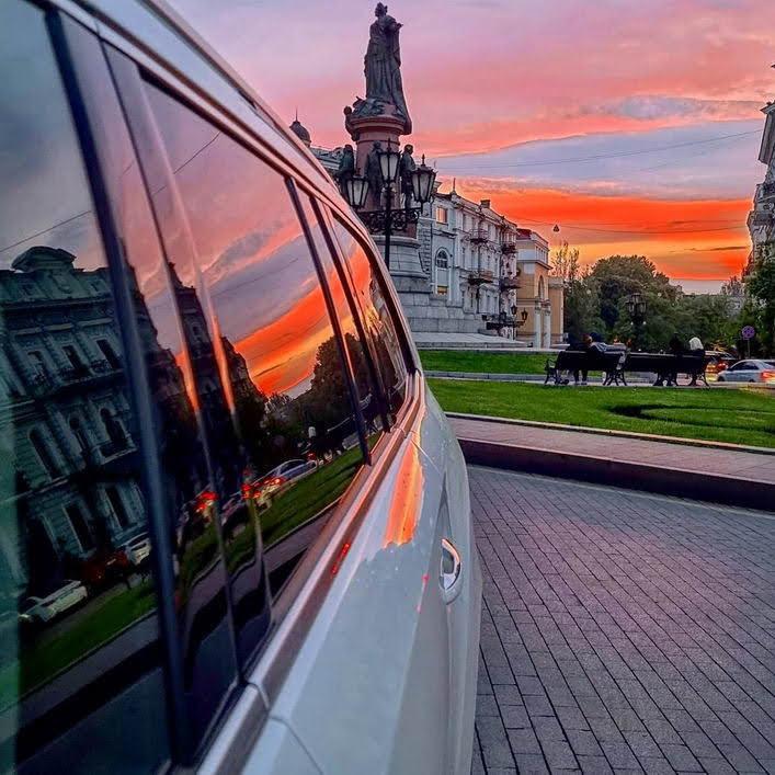 В Одессе 30 мая наблюдали яркий закат. Фото: instagram.com/oleg_kurchenko_