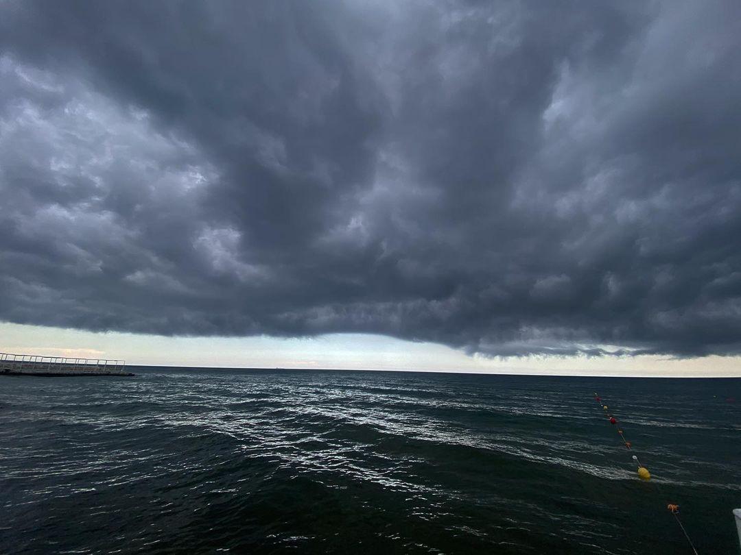 13 июня одесситы поделились снимками штормового неба. Фото: instagram.com/photo.by_alen