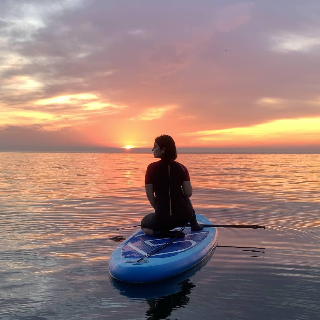 Массовые купания, серфинг и шашлыки: как одесситы отдыхают при +25. Фото: instagram.com/sup_odessa