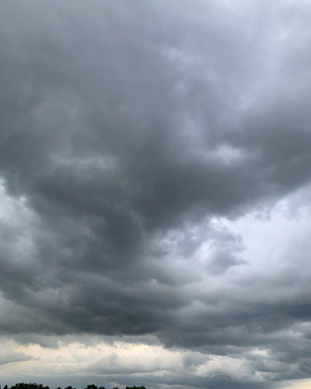 13 июня одесситы поделились снимками штормового неба. Фото: Svetlana Zagorulko