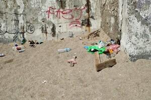 Сезон: на одесских пляжах оставляют горы мусора фото 2
