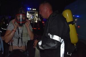 В Одессе горела высотка и пункт приема вторсырья: людей эвакуировали фото 1