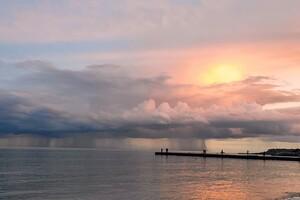 Грозовой фронт: смотри, как в Одессе разбушевалась непогода фото 1