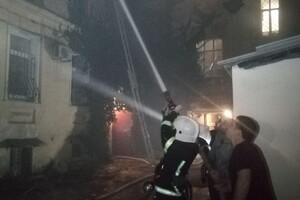 В Одессе из горящей квартиры вынесли молодую девушку: она в тяжелом состоянии фото 1