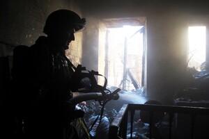 Языки пламени напугали прохожих: в центре Одессы горела квартира (обновлено) фото