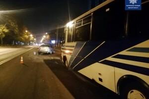 В Одессе произошло серьезное ДТП: водителя вырезали из автомобиля фото