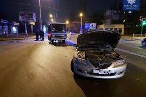 В Одессе произошло серьезное ДТП: водителя вырезали из автомобиля фото 1