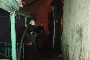 Жаркая ночь: под Одессой сгорели база отдыха и СТО фото