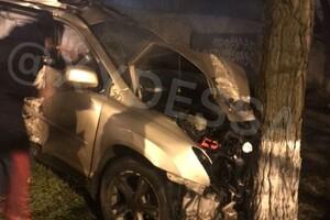 """""""Веселая"""" суббота: в Одессе водитель """"Лексуса"""" сносил все на своем пути фото"""
