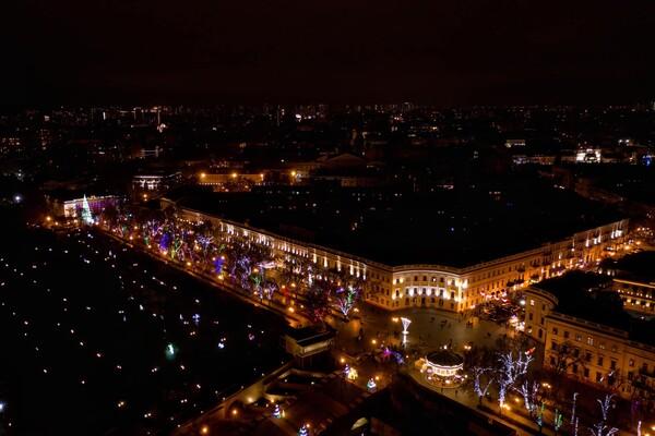 Сотни новогодних огней: как выглядит новогодняя Одесса с высоты фото