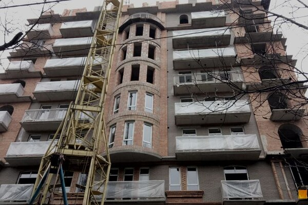 Все из-за строительства высотки: в центре Одессы на год перекрыли улицу фото 2