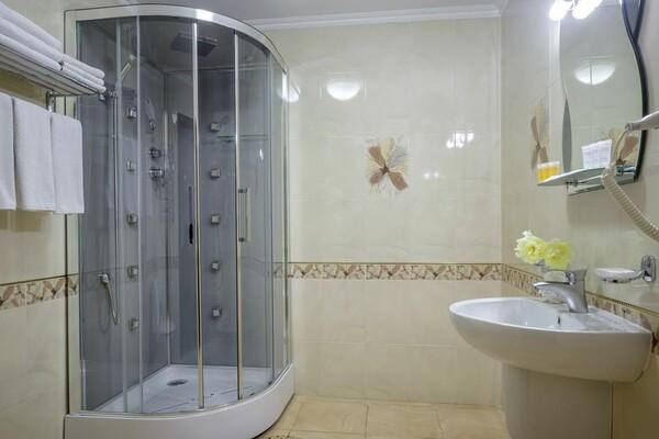 В Одессе гостиница начала принимать коронавирусных больных: что почем  фото 1