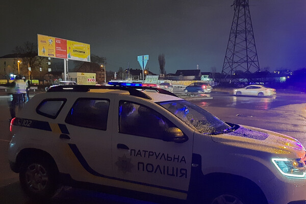 В Одессе запретили проводить автогонки: водители устроили бунт у вокзала и аэропорта фото 3