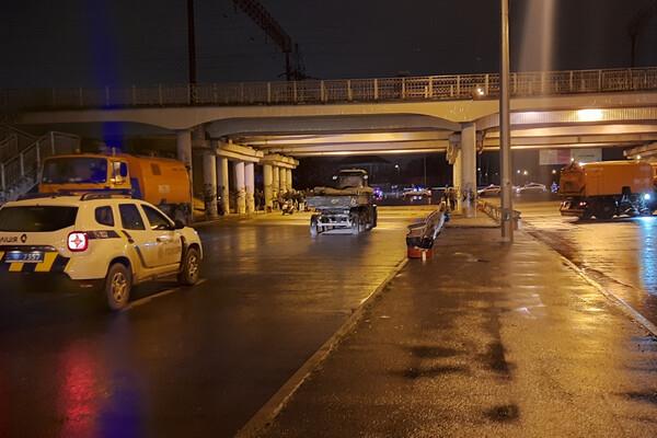 В Одессе запретили проводить автогонки: водители устроили бунт у вокзала и аэропорта фото 5