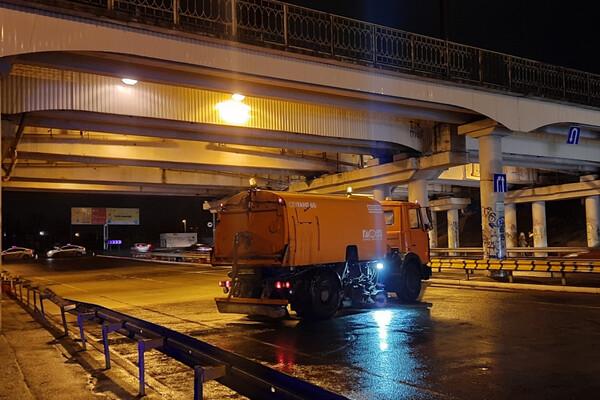 В Одессе запретили проводить автогонки: водители устроили бунт у вокзала и аэропорта фото 1