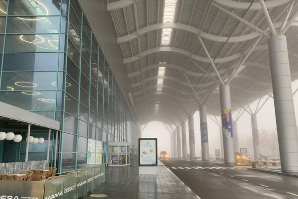 Из-за тумана: в Одесском аэропорту не могут приземлиться самолеты (обновлено) фото 1