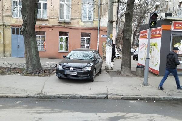 Я паркуюсь как: свежая фотоподборка наглых водителей в Одессе фото 6