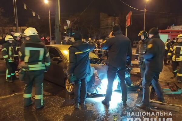На Молдаванке столкнулись пять автомобилей: один из водителей сгорел заживо фото 2