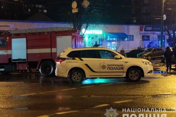 На Молдаванке столкнулись пять автомобилей: один из водителей сгорел заживо фото 3
