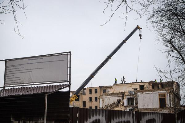 На Торговой разбирают доходный дом Бенетато: соседние постройки в опасности фото 3