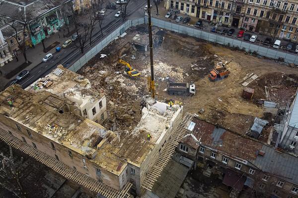 На Торговой разбирают доходный дом Бенетато: соседние постройки в опасности фото 6