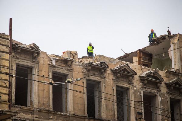 На Торговой разбирают доходный дом Бенетато: соседние постройки в опасности фото 7