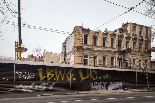 На Торговой разбирают доходный дом Бенетато: соседние постройки в опасности фото 8