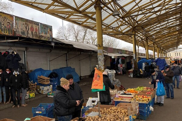 """Реконструкция """"Привоза"""": на рынке хотят снести рыбные ряды фото 1"""