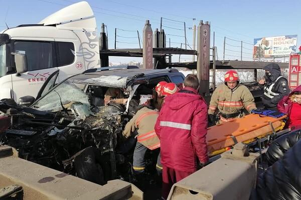 Еще одно столкновение с фурой: под Одессой мужчину вырезали из авто фото 1