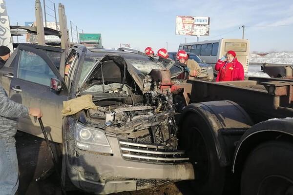 Еще одно столкновение с фурой: под Одессой мужчину вырезали из авто фото 2