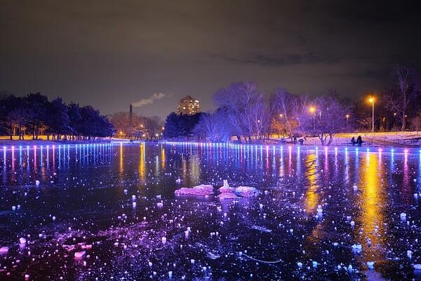 Красота рядом: смотри, как выглядит ночной парк Победы зимой фото 2