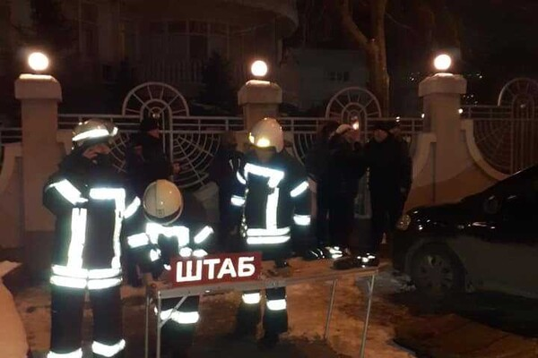 В одесском отеле очередной смертельный пожар: полиция перекрыла движение фото