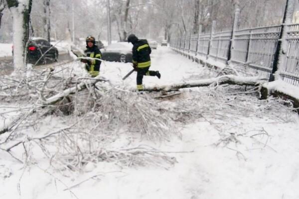 Второй день снегопада в Одессе: хроника событий (обновляется) фото 1