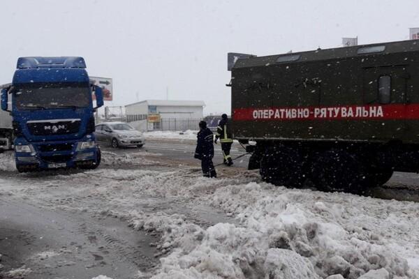 Второй день снегопада в Одессе: хроника событий (обновляется) фото 7