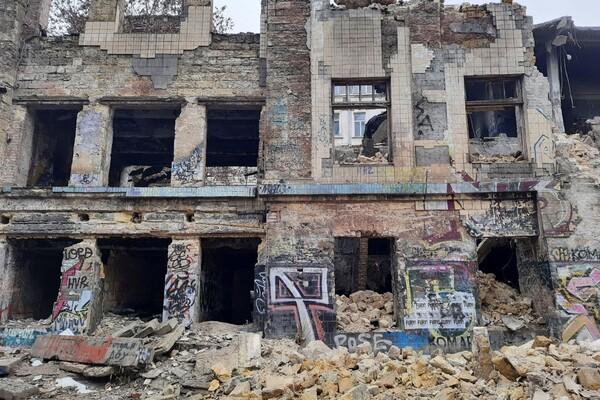 На Деволановском спуске рухнуло старинное здание: там жили люди (обновлено) фото 7