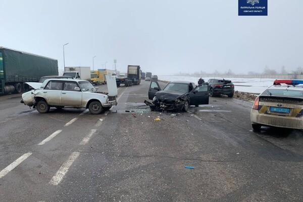 Еще одно масштабное ДТП: в Одессе столкнулись четыре авто фото