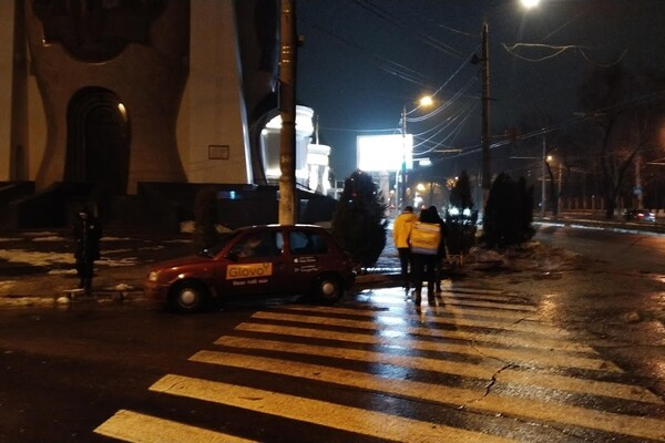 Я паркуюсь как: свежая фотоподборка наглых водителей в Одессе фото 7