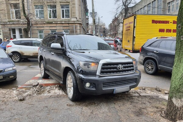 Я паркуюсь как: свежая фотоподборка наглых водителей в Одессе фото 1