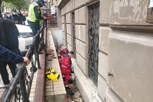 """""""Героиня дня"""": в центре Одессы женщина сбила парковщика фото 2"""