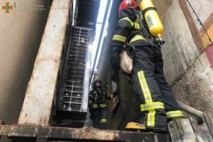 Непростые выходные: в Одессе горели четырнадцатиэтажка и отель фото 2