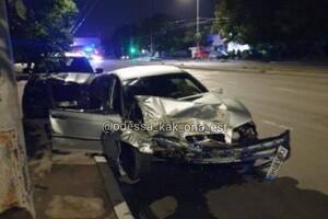 ДТП на Черемушках: BMW пролетел на два красных, погибла женщина (обновлено) фото