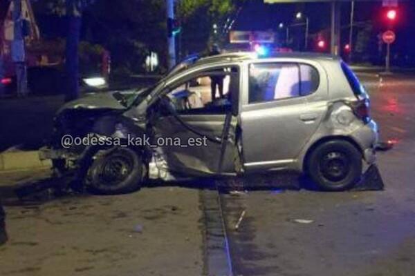 ДТП на Черемушках: BMW пролетел на два красных, погибла женщина (обновлено) фото 2